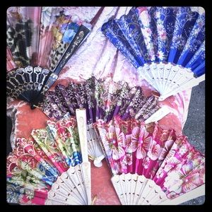 Accessories - Gorgeous fans 6 for 10$  with free gifts 🎁